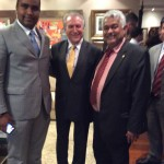 Presidente da Associação Nacional dos Prefeitos e Vice-prefeitos do Brasil (ANPV), Dr. Arnaldo Acbas de Lima, compareceu 01/04, a um Jantar oferecido pelo Vice-Presidente da Republica Michel Temer para a Bancada do PMDB, na residência do Vice Governador do Distrito Federal, Tadeu Filippelli